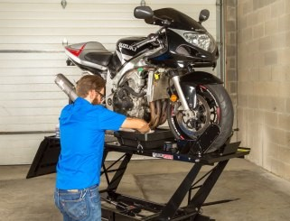 How to Change the Oil in your Motorbike | AMSOIL blog